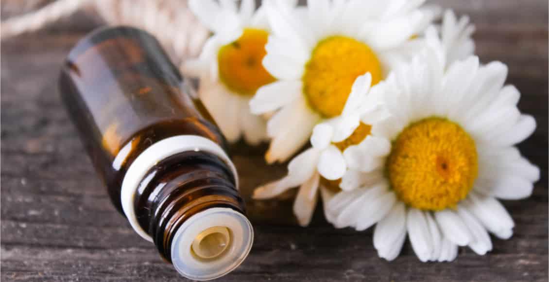 L'huile essentielle de Camomille romaine, pour tous : bye bye stress, angoisse et insomnie !